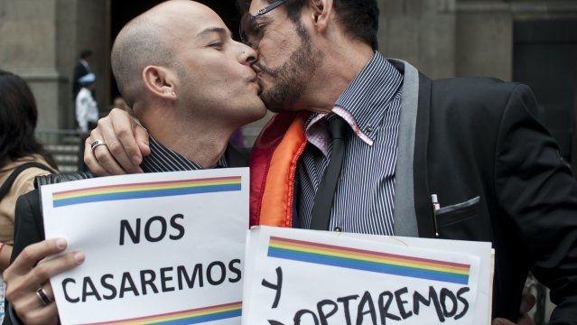Libros y textos: Historia sobre la homosexualidad en la