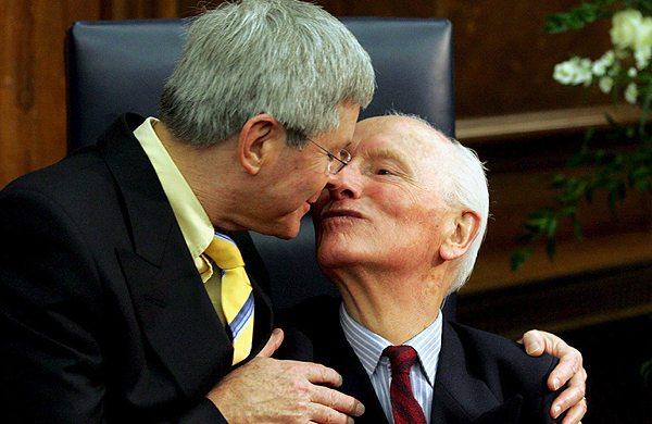 Con gay madrid maduros relaciones viejos