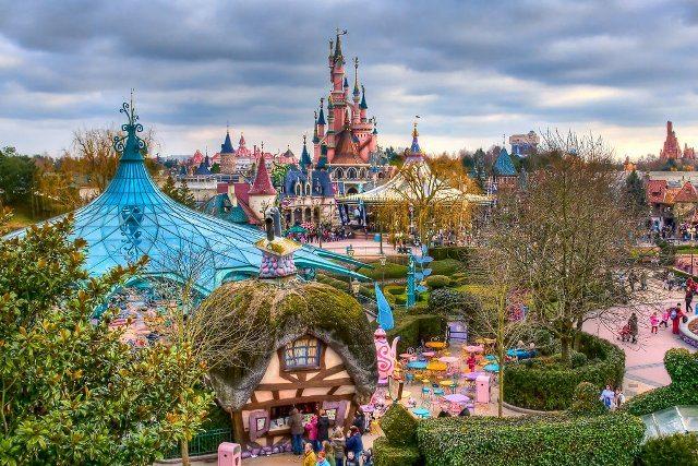 1-disneyland-paris-francia-parques-tematicos-europeos