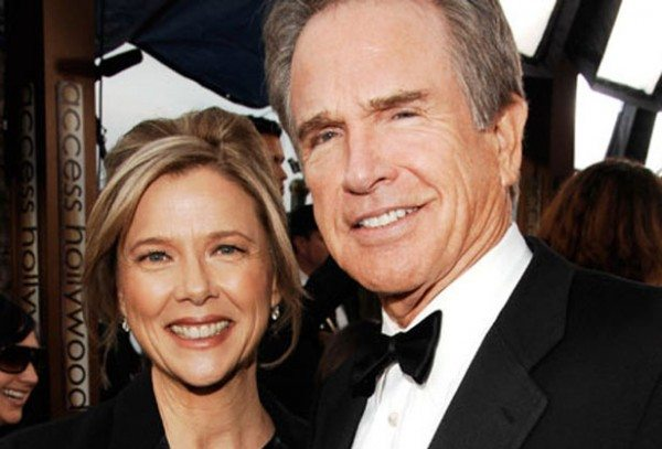 Warren-and-his-wife-Annette-warren-beatty-30776270-616-418