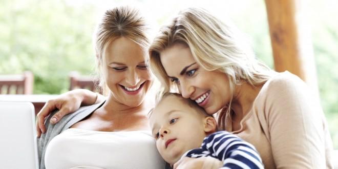 3 razones por las que cada vez más lesbianas se embarazan a través del método ROPA