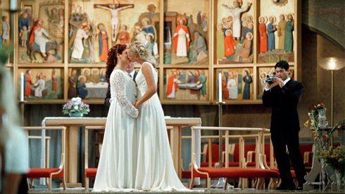 SWEDEN-GAY-MARIAGE