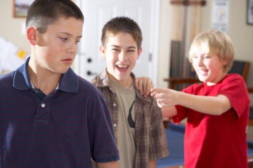 acoso escolar niños gays