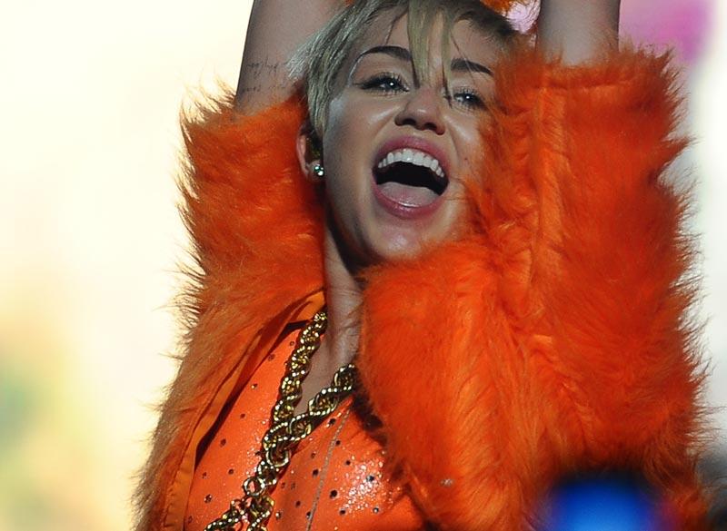 Miley-cyrus-portada