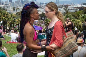 series-television-gay-friendly-sense8-650x433