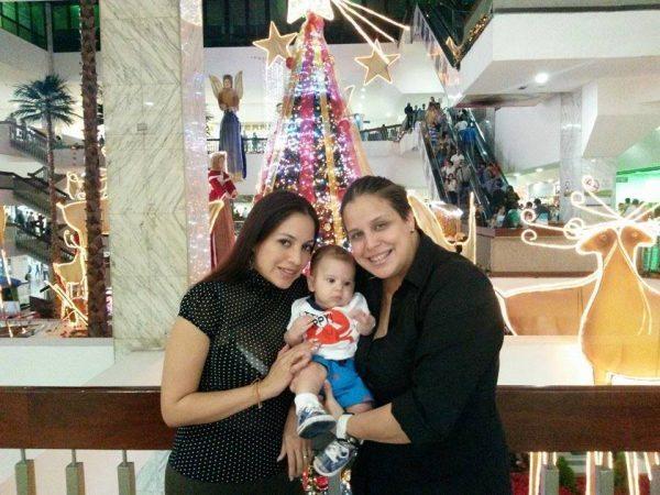 Migdely Miranda junto a su mujer, Gini Soto, antes de que fuese asesinada