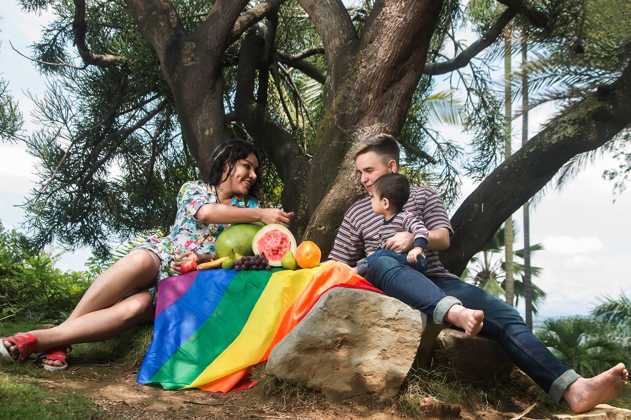 Diane y Fernando, la primera familia transexual donde el padre da a ...
