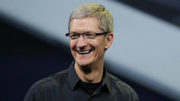 apple-ceo-tim-cook-proud-be-gay-opens-support-lgbt-issues