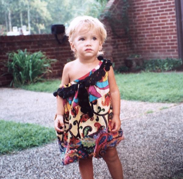 Miles Robbins en una de las fotos de su infancia