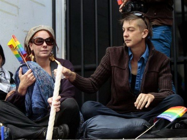 Nicola Rothon (izq.) y Helen Bicknell